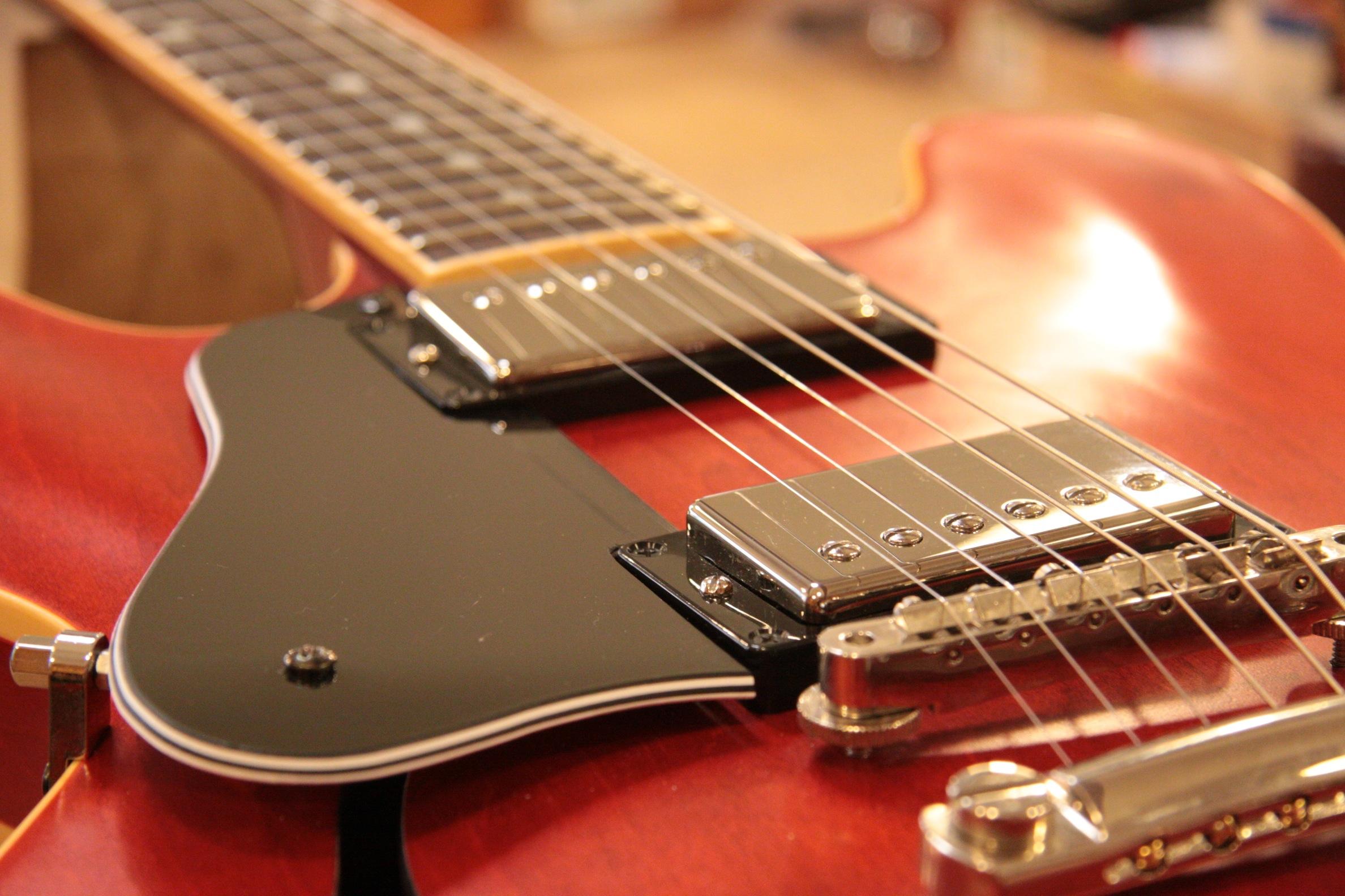 gibson es 333 customis e rockshop magasin de guitares montpellier magasin de musique. Black Bedroom Furniture Sets. Home Design Ideas